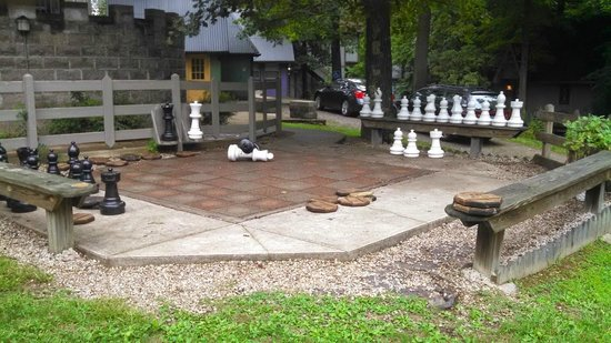 Ravenwood Castle: Giant chess/checkers board out front!