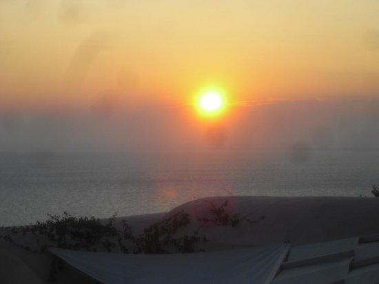 Kastro Oia Restaurant: sunset from table n2