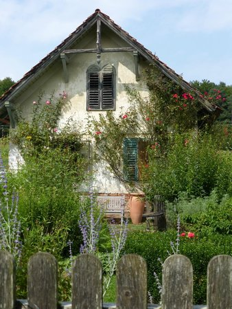 Minihof-Liebau, النمسا: Häuschen...