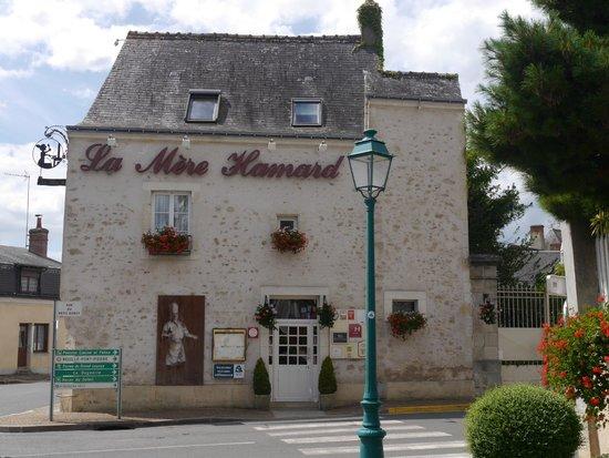 La Mere Hamard: La façade