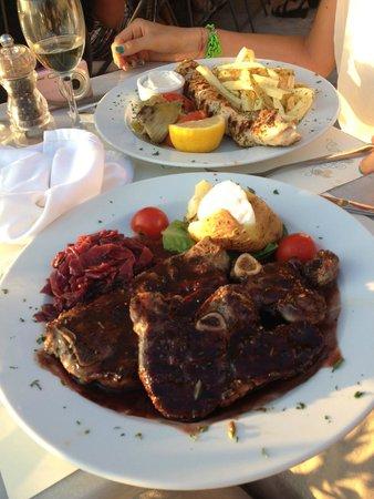 Kastro Oia Restaurant: LAMB!