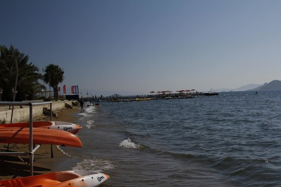 Looking along the Kadikale beach front