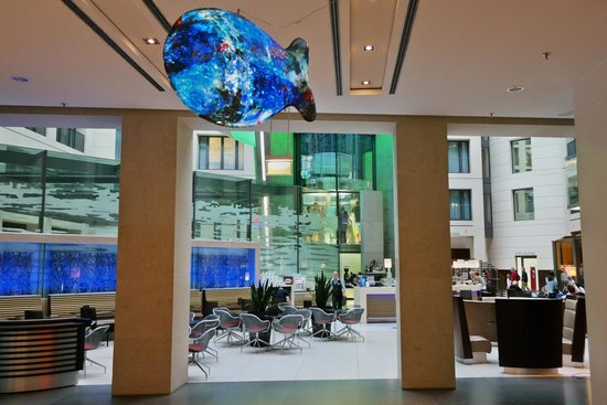 Radisson Blu Hotel, Berlin: Another part of the lobby