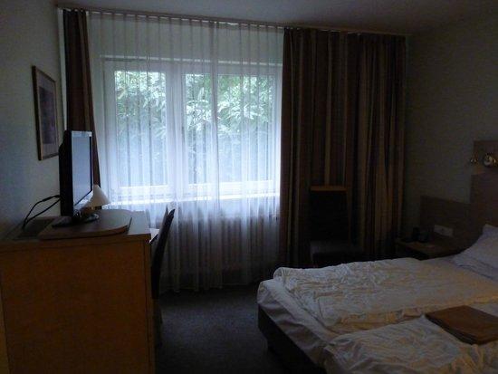 Advena Motel Frankfurt : double bed