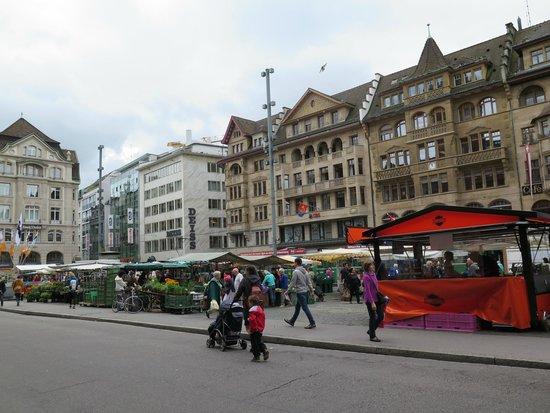 Pullman Basel Europe Hotel : Marketplaz