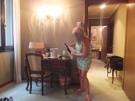 Hotel Locanda Vivaldi: Room 101 - free prosecco in suite!