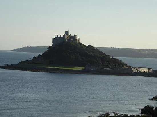 Wheal Rodney Holiday Park: St Michaels Mount 0.5 miles away