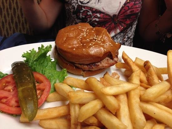 Pinecrest Diner : hamburger