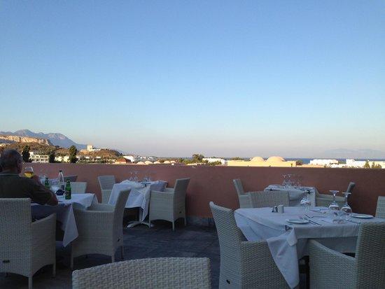 Helona Resort: Breakfast and dinner restaurant