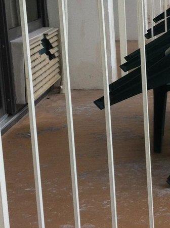 Westgate Myrtle Beach Oceanfront Resort: The Exterior Has Seen Better Days