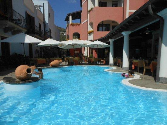 Grand Hotel Arciduca: piscina hotel