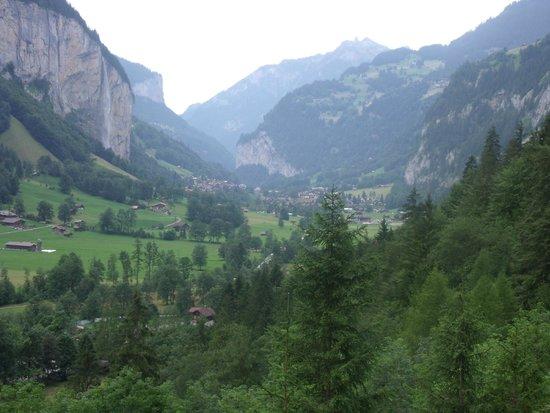 Trummelbach Falls: Paisaje desde las cascadas