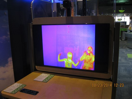 The Putnam Museum & Science Center: The girls liked dancing in front of this heat reader