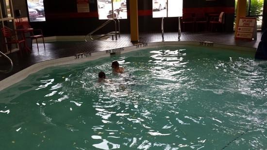 BEST WESTERN PLUS Wine Country Hotel & Suites : Nice pool