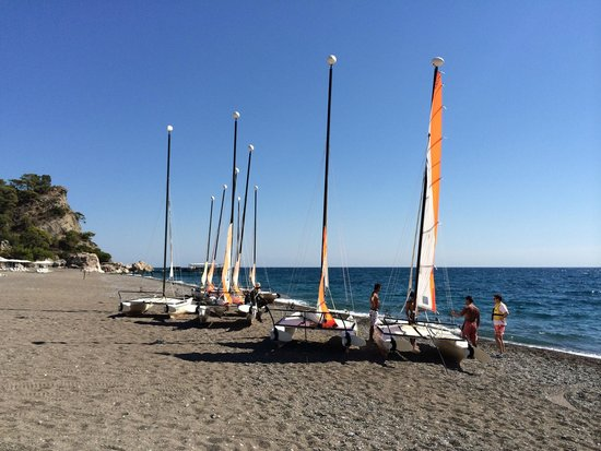Club Med Palmiye : Sailing from the beach