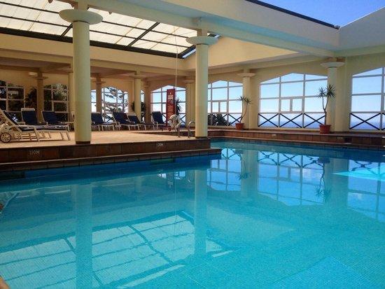 Dom Pedro Garajau Hotel: Basen wewnętrzny z panoramą na ocean