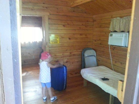 Inside Cabin Picture Of Yogi Bears Jellystone Park Camp