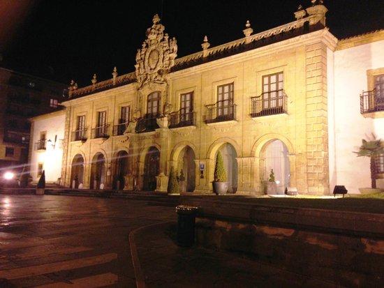 Eurostars Hotel de la Reconquista: The front of the hotel
