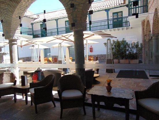 Casa Andina Premium Cusco: lobby e pátio