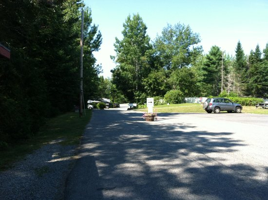 Timberland Acres RV Park: Heading down to the Big Rigs