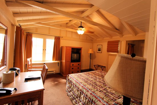 Bright Angel Lodge: Two room cabin: Smaller room