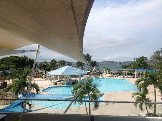 Hilton Cartagena: Piscinas