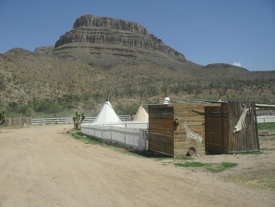 Grand Canyon Ranch - Day Tours: Grand Canyon Ranch tee-pees