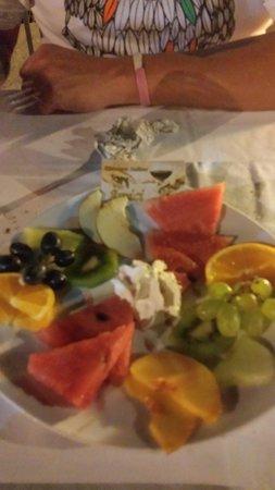 Amici Ristorante: Complementary fruit