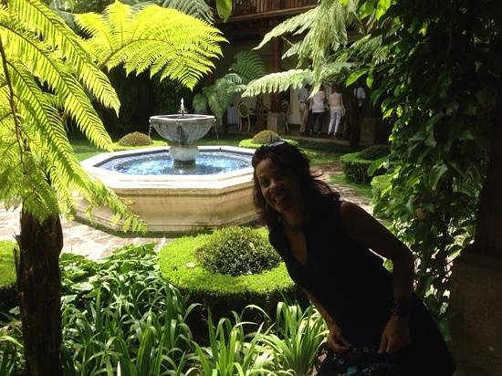 Palacio de Doña Leonor: beautiful courtyard