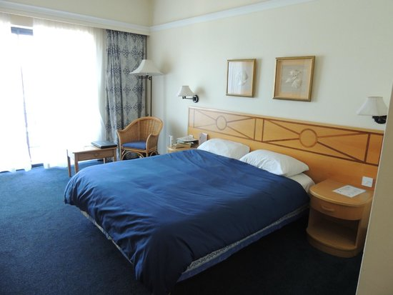 The Waterfront Hotel: Bedroom