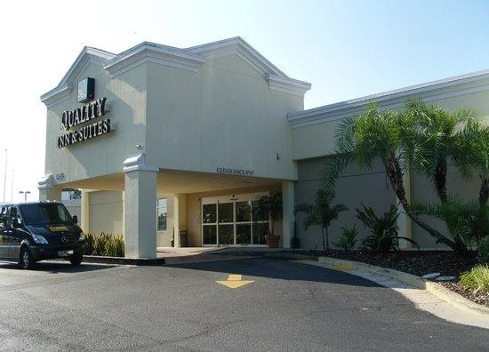 Quality Inn & Suites Near Fairgrounds Ybor City: Eingangsbereich