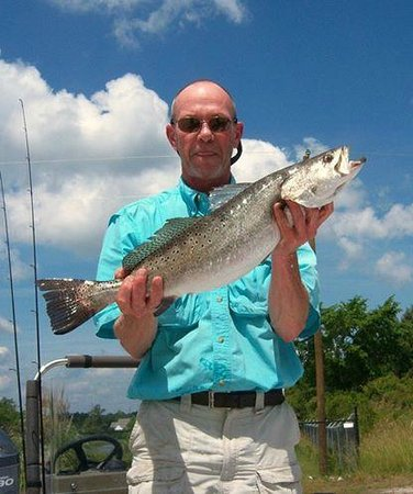 Core Creek Lodge: Some great fishing had from our pier