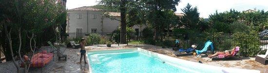 Le Poujol-sur-Orb, Frankreich: Superbe piscine de la maison Bersane