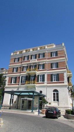 Hilton Imperial Dubrovnik: Hotel Entrance