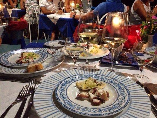 Ristorante Punta Lena: Il migliore di Stromboli x l'atmosfera chic ma semplice,cucina tipica ma gustosa, i vini, la pos