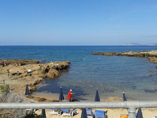 Calabona Hotel Alghero Sardegna: la spiaggia dell'hotel