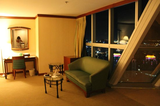 Baiyoke Sky Hotel: Номер 5711 последний в Sky Zone
