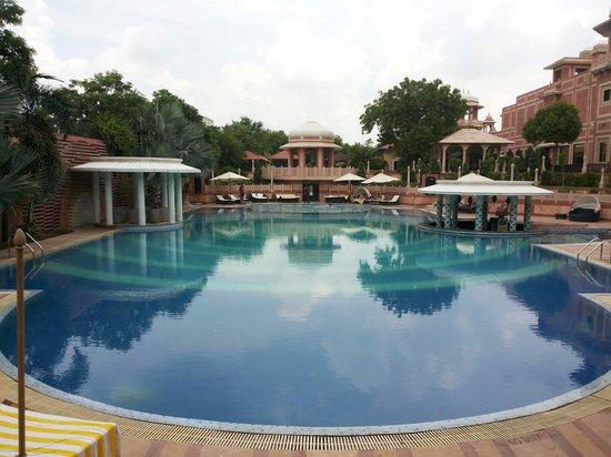 Orient Taj : Pool view 1