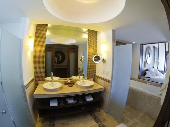 Hyatt Ziva Los Cabos: bathroom