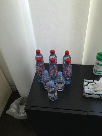 InterContinental Marseille - Hotel Dieu : Bouteille d'eau (salle de sport)