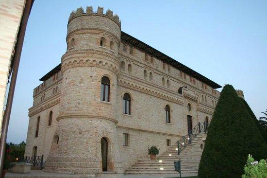 Castello di septe picture of hotel castello di septe for Hotel a casalecchio di reno