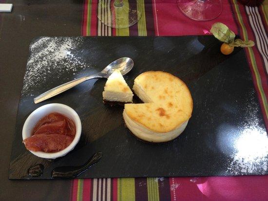 La Farigoule: Cheesecake, compotée de fruits