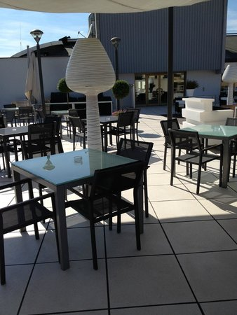 Le Meridien Visconti Rome: Sunny and beautiful Roof Deck