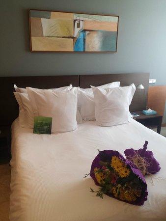 Gran Hotel Torre Catalunya: fleur dans la chambre