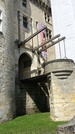 Chateau de Langeais: Castle gates
