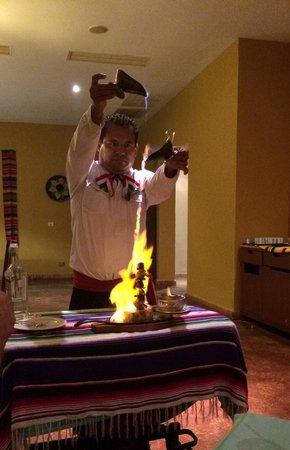 Valentin Imperial Maya: Brocheta con tequila!