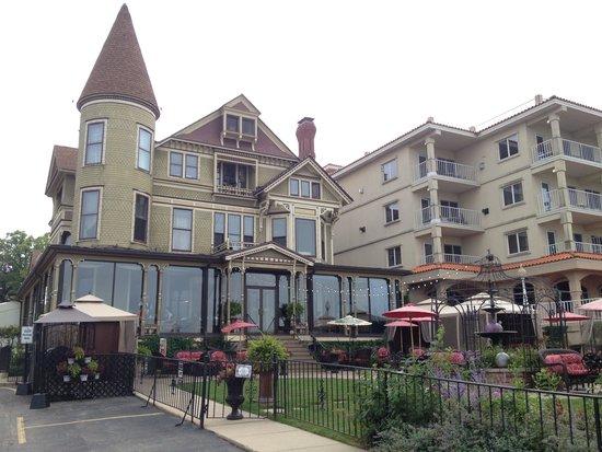 Baker House Hotel : Street view