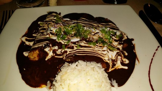 Hotel Xixim: Enchiladas de mole rellenas de mariscos