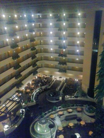 Embassy Suites by Hilton Kansas City-International Airport : 8th floor view