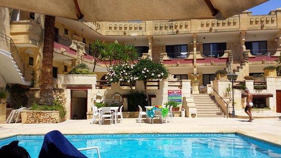 Cornucopia Hotel: una delle piscine